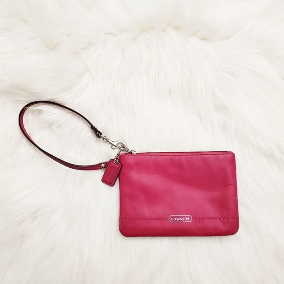 COACH WRISTLET BAG COLOR PINK FUCHSIA